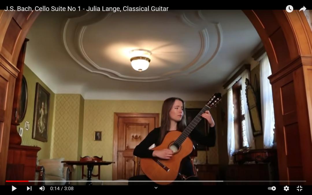 Julia Lange spielt die Cello Suiten No 1